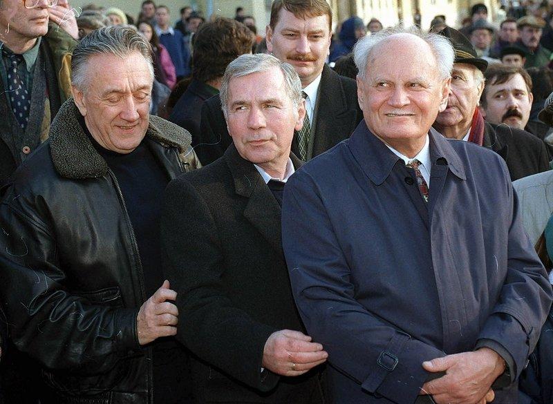Regéczy-Nagy László nem hiszi, hogy Göncz Árpád (jobbra) besugó volt / Fotó: MTI